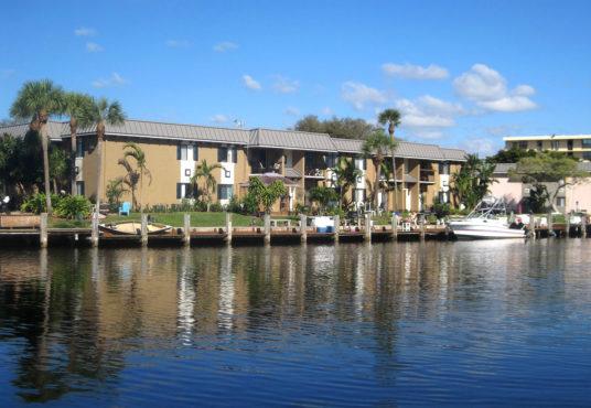 Boca Bend Marina